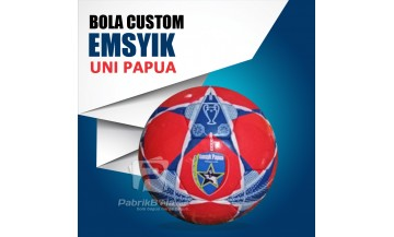 Bola Sepak Logo Sendiri